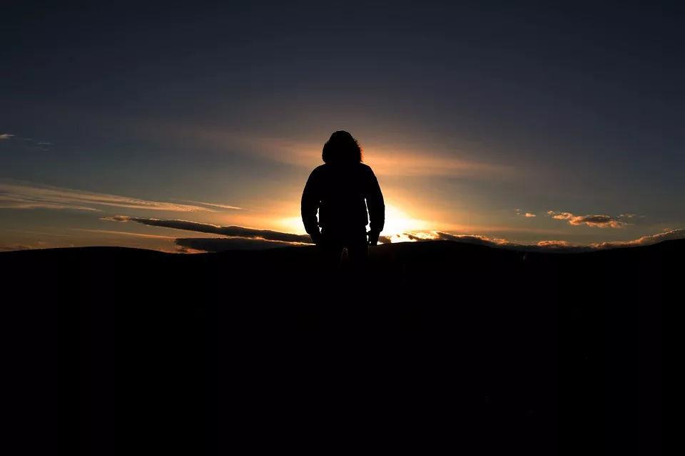 【音乐】《生活着》张小品 三弦二品乐队 追寻梦想的北漂音乐人